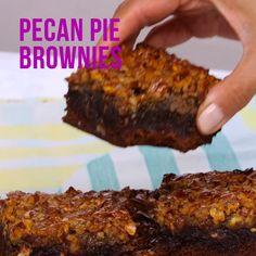 Pecan Pie Brownies: the ooey gooey food mashup dreams are made of Pecan Desserts, Brownie Desserts, Brownie Recipes, Delicious Desserts, Cake Recipes, Dessert Recipes, Yummy Food, Dessert Bars, Pie Brownies