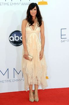 Kristen Wiig wearing #Balenciaga at the 64th #Emmys. #fashion #SNL #bridesmaids