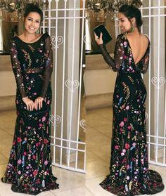vestido de festa preto com bordado colorido: lindo!