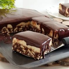 Image may contain: dessert and food Cake Recipes, Dessert Recipes, Good Food, Yummy Food, Iftar, Turkish Recipes, Food Cakes, Churros, Dessert Bars