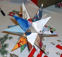 How to Make a Christmas Card Star Christmas crafts - Recycling old greeting cards into a Christmas star Diy Holiday Cards, Christmas Card Crafts, Old Christmas, Xmas Cards, Christmas Projects, Holiday Crafts, Christmas Holidays, Christmas Decorations, Christmas Ornaments