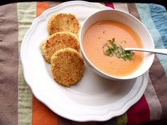 pretty kitten's kitchen: Creamy Slow Cooker Tomato Soup with Cheesy Quinoa Dippers