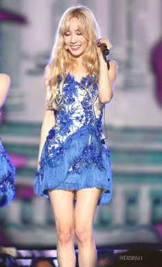 Snsd Girls' Generation Taeyeon love the dress