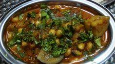 Brinjal and Peanut Curry / Wangi Singdana Bhaji | NamakShamak.com