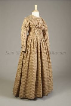 Printed wool day dress  American, ca. 1840  Collection of the Kent State University Museum, KSUM 1983.1.71