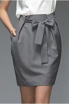 Paper Bag Skirt Tutorial - My Handmade Space - Diy Clothes Sewing Dress, Sewing Clothes, Diy Clothes, Sewing Diy, Sewing Hacks, Sewing Projects, Mode Outfits, Skirt Outfits, Dress Skirt