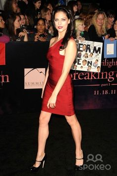 """Julia Voth attending the World Premiere of """"the Twilight Saga: Breaking Dawn Part 1"""" Held at the Nokia Theatre in Los Angeles, California on 11/14/11 Photo by: D. Long- Globe Photos Inc."""