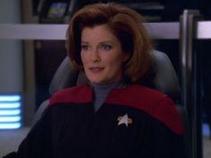 When Janeway is Bae. Great Love Stories, Love Story, Captain Janeway, Kate Mulgrew, Star Trek Voyager, Inspiring Things, Her Smile, Star Wars, Beautiful Women