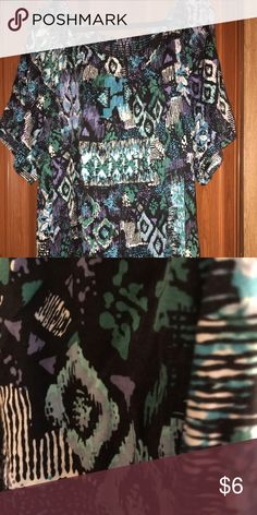 Plus size Short sleeve top with cute pattern Cute and comfortable, nice and airy top! Liz and Me Tops Blouses