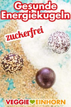 Healthy energy balls with dates Healthy Vegan Snacks, Yummy Snacks, Vegan Recipes, Roh Vegan, Energy Balls, Lunch Boxe, Balls Recipe, Bear Cakes, Cakes And More
