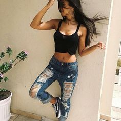 Calça Destroyed, porquê amamos 💙 . . . . Siga 🌻 》 @Fashionistas_book Siga 🌼 》 @Fashionistas_book  Siga 🌻 》 @Fashionistas_book  Siga 🌼 》 @Fashionistas_book  Siga 🌻 》 @Fashionistas_book . . . . . . #Deusetudo #nice #tardis #blessed #branch #lindas #said #curtidas #lookbook #adidas #fashion #style #love #me #cute #photooftheday #nails #agradecimento #instafashion #pretty #girly #girls #eyes #model #fashionistas #moda #destroyed