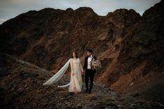 Chasewild Photography: El verdadero storytelling en tu boda – Wedding Hub Top Wedding Photographers, Storytelling, Wedding Dresses, Photography, Alone Photography, Couples, Weddings, Fotografia, Bride Dresses