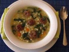 Italian wedding soup is an American creation -- despite the name. It is very popular in the US and is basically a meatball soup with pasta and spinach Meat Loaf Recipe Easy, Easy Meat Recipes, Soup Recipes, Dinner Recipes, Recipies, My Favorite Food, Favorite Recipes, Italian Wedding Soup Recipe, Small Pasta