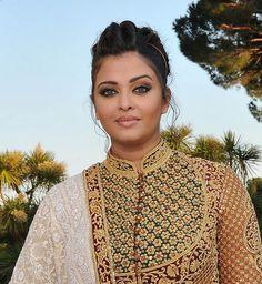 Aishwarya_Rai_At-Cannes_2012+_2.jpg (620×673)