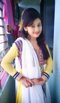 Indian Beautiful Girls - Online Information 24 Hours Beautiful Blonde Girl, Beautiful Girl Photo, Beautiful Girl Indian, Most Beautiful Indian Actress, Desi Girl Image, Beautiful Girl Image, Beautiful Women, Preety Girls, Dehati Girl Photo