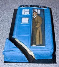 I'm going to get a cake like this for my 50th dr who party