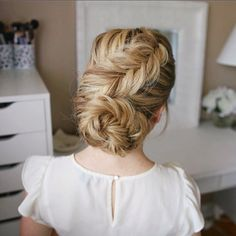 Dutch Fishtail Low Bun ☀️ Can't go wrong with fishtails and this style is heatless too Tutorial link in bio! #missysueblog