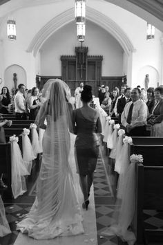 Mother of the bride and the walk down the aisle