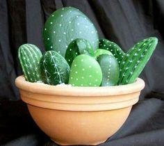 Verf steentjes als cactus