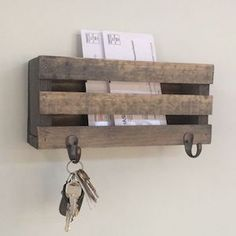 50 Beautiful Rustic Home Decor Project Ideas You Can Easily DIY Mailbox Mail Mail Organizer Key Hooks Rustic Letters Magazines Reclaimed Wood Farmhouse Barn Woodwork Keys Home Decor Homemade Home Decor, Easy Home Decor, Cheap Home Decor, Decor Diy, Home Ideas Decoration, Hone Decor Ideas, Diy House Decor, Diy Furniture Cheap, Diy Rustic Decor