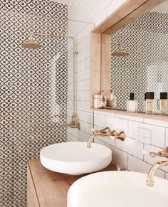 The prettiest bathroom we ever did see Image via Deborah Coimbra - Interior Decor bathroom bathroom design bathrooms ideas small bathroom ideas Bathroom Layout, Modern Bathroom Design, Bathroom Interior Design, Interior Decorating, Bathroom Ideas, Bathroom Organization, Minimal Bathroom, Washroom Design, Bathroom Storage