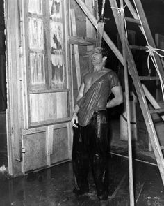 Marlon Brando getting ready to shoot the final sequence of 'A Streetcar Named Desire' Elia Kazan Elia Kazan, Streetcar Named Desire, Jean Simmons, Photo Letters, Actor Studio, Marlon Brando, Great Films, On Set, Picture Photo