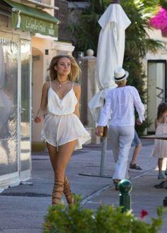 Kimberley Garner in Short Dress Shopping -07