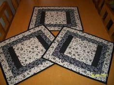 Em patchwork e tecido de algodão. Pode-se escolher a cor, tecido pode variar conforme disponibilidade R$ 18,00