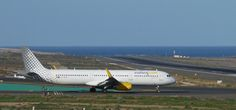 Canary Islands Spotting....Spotter: Vueling Airlines   EC-MHB     Airbus A321    LPA/G...