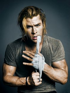 Chris Hemsworth.. yes please...