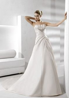 Pronovias La sposa Distancia RRP £1495  Sample dress size 10 £795
