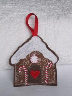 Felt Gingerbread House Ornaments | HMH Designs