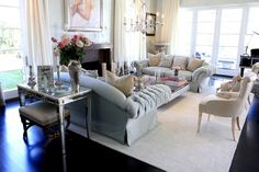 Lisa Vanderpump - check out inside her Beverly Hills mansion. The Real Housewives of Beverly Hills has an abode that will give you massive home envy! Chesterfield Sofa, Villa Rosa, Lisa Vanderpump, Beverly Hills Houses, Mirrored Furniture, Upholstered Furniture, Celebrity Houses, Home And Deco, Formal Living Rooms