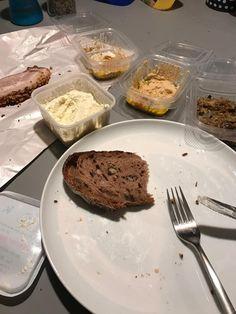 Essen / Aufstrich / Brot vom Brunnenmarkt Eggenburg - Lieblingsessen Shops, Spreads, Bread, Food Food, Tents, Retail Stores