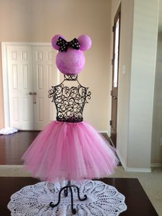 Minnie Mouse party decoration.  Table centerpiece