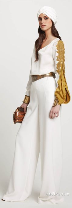 Elegant jinni couture: Elie Tahari Resort 2012 white and gold elegant pants outfit - classic and timeless style! Timeless Fashion, Love Fashion, Fashion Show, Womens Fashion, Haute Couture Style, Elie Tahari, Mode Pin Up, Hijab Stile, Look Chic