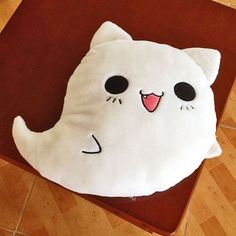 Ghost Cat Kissen Emoji Smiley Shop Katze Kitty Anime Manga Shop - too many pins - Katzen Manga Shop, Anime Shop, Chibi Cat, Ghost Cat, Cat Pillow, Llama Pillow, Cute Stuffed Animals, Cute Plush, Creation Couture