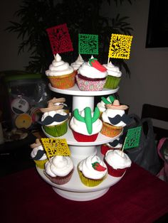 We're making mexican cupcakes! Mexican Fiesta Birthday Party, Mexican Party, Fiesta Party, Birthday Party Themes, Holiday Parties, Holiday Fun, Holiday Ideas, Mexican Cupcakes, Cupcake Wars