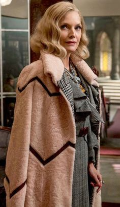 """Michelle Pfeiffer in the movie """"Murder on the Orient Express""""."""