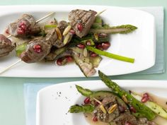Beef Skewers with Green Asparagus and Pomegranate Sauce | Eat Smarter