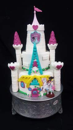 Nella The Princess Knight Cake