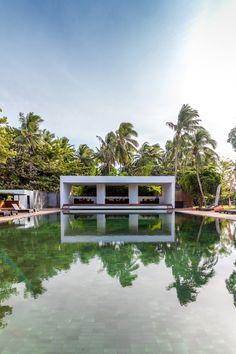 Villa JOJU- THE PERFECT FAMILY VILLA | Bali Interiors Amazing Architecture, Interior Architecture, Small Villa, Backyard Pool Designs, Koh Samui, Lush Garden, Bungalow, Swimming Pools, Building