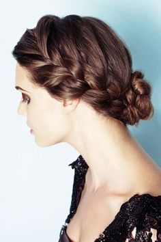 a lovely variation on the crown braid. Sadly, I doubt my hair is thick enough for this