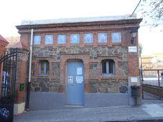 Madrid Moderno .Caseta lateral de entrada de la Fundación Caldeiro.