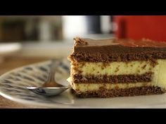 I am in love with this dessert! Ingredients: packets instant vanilla pudding mix milk whipping cream packets chocolate biscuits p. Greek Sweets, Greek Desserts, Pudding Desserts, Party Desserts, Greek Recipes, Eclair Cake Recipes, Tasty Videos, Chocolate Biscuits, Eclairs