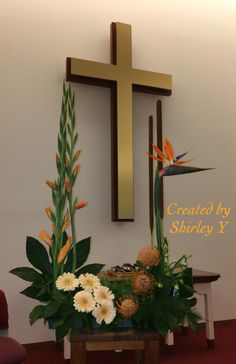 Altar Flowers, Church Flowers, Hanging Flowers, Table Flowers, Funeral Floral Arrangements, Church Flower Arrangements, Ikebana Arrangements, Church Altar Decorations, Flower Decorations