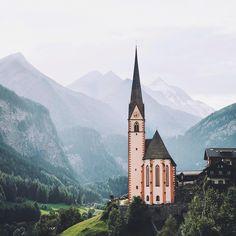 St. Vincent Pilgrimage Church, Heiligenblut am Großglockner, Austria.