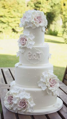wedding cakes designs orked 15 hours a day to get the orders completed then deliveries yesterday amounted to 350 miles of driving. Can finally enjoy our new home and looking forward to spending some money today for Floral Wedding Cakes, Wedding Cakes With Cupcakes, Elegant Wedding Cakes, Elegant Cakes, Wedding Cake Designs, Cupcake Cakes, Gorgeous Cakes, Pretty Cakes, Cute Cakes