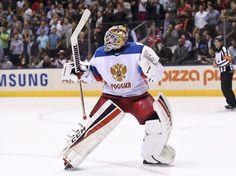 Sergej Bobrovskij oslavuje velké vítězství Sborné.
