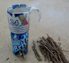 How To: Make a soda can stove when hiking or camping. Learned how to do this during outdoor frosh! Camping Survival, Outdoor Survival, Survival Prepping, Emergency Preparedness, Survival Gear, Survival Skills, Camping Hacks, Camping Ideas, Survival Stuff